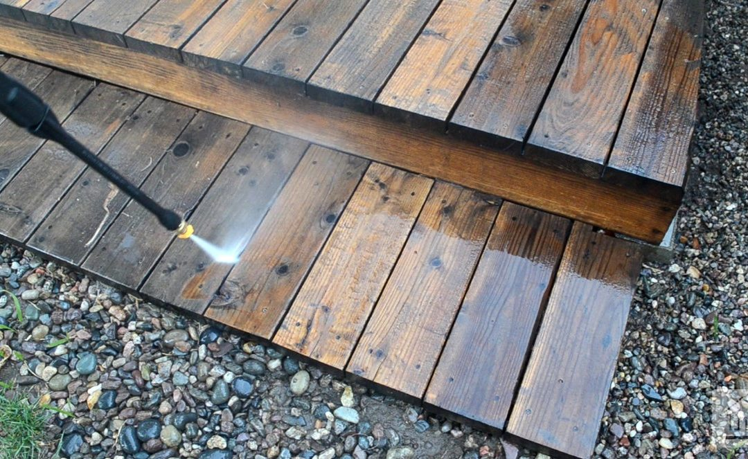 Pressure Washer: How to Clean Wood Decks With a Pressure Washer